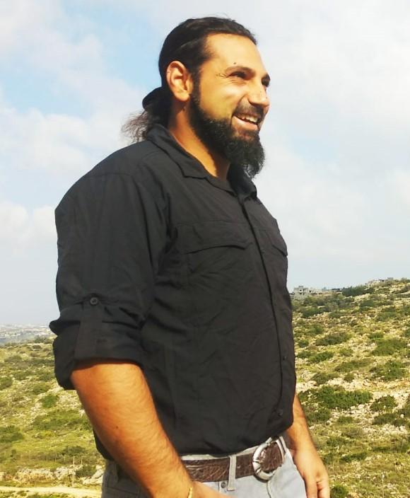 יובל ראובני מדריך באיילה גיאוגרפית