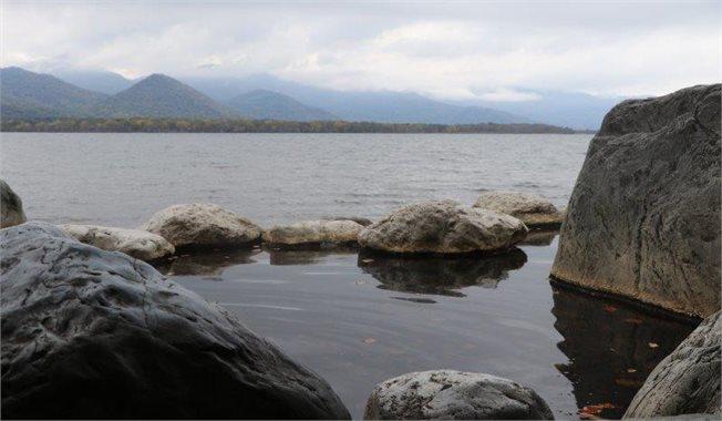מעין חם לשפת אגם קושרו, הוקאידו, יפן  צלם: אשחר יופה