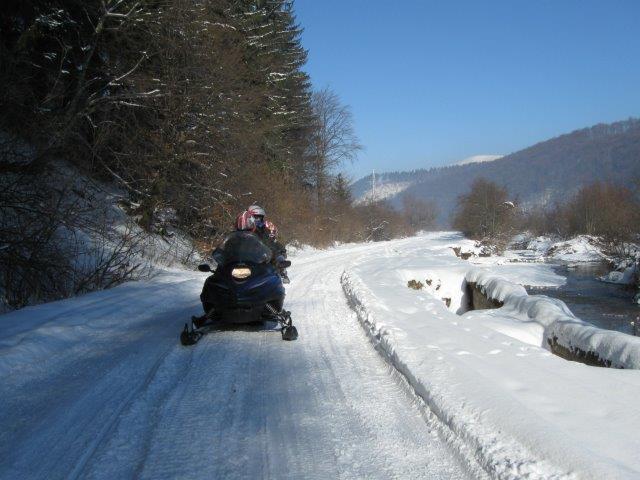 טיול אופנועי שלג ברומניה